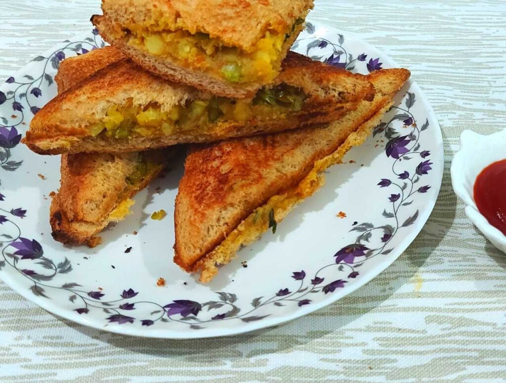 Aloo Masala Toast Sandwich